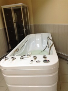 гидромассажная ванна в салоне красоты